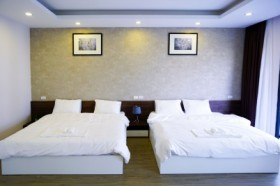 Pisces 2 Double Beds Room - Newstar Villa Ha Long