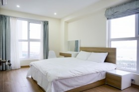 Flower Apartment - 3BR with Halong Bay View in New Life Tower