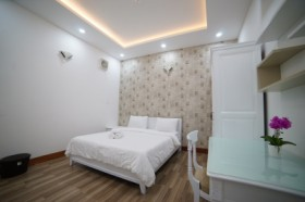 Private City Flat with Kitchenette