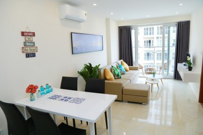 Cozy 2BR Apartment w/Balcony @ Phanh's Home * nearby Sunworld