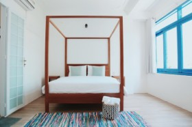 Vivid Boutique Hometel - Deluxe room with balcony