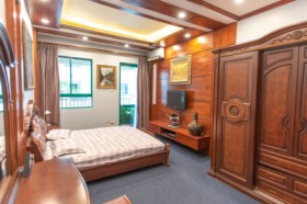 July's House, the most spacious Apartment in Hanoi