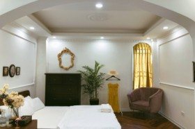 Elegant Room in Chloe&Leo Boutique Homestay Trang Tien