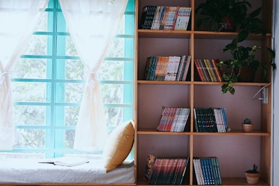 A Cozy Room with Bookshelves - Hien Dalat Room 3