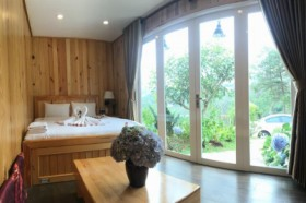 Da Lat Hotel Container - Double Room with Mountain View