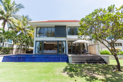 Ocean Villas 4-5 bedrooms with private beach and golf course!