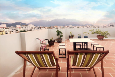 Cosy Apartment w Balcony & Garden@Near the Beach