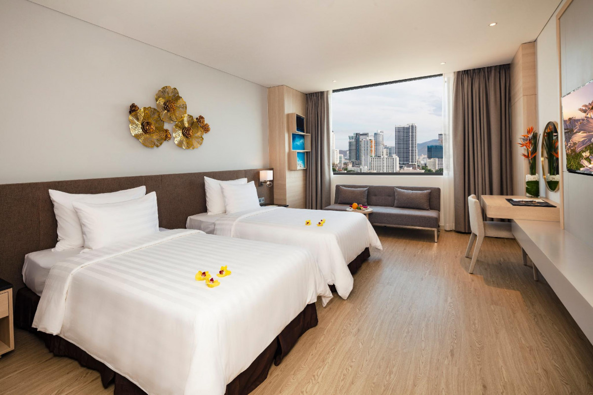 D'Qua Hotel Nha Trang (Deluxe room - Twin Bed) - Have Breakfast ...